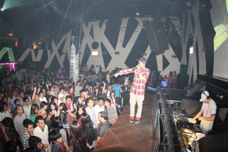 Trigger goes to Bandung – Mansion Club May 2012